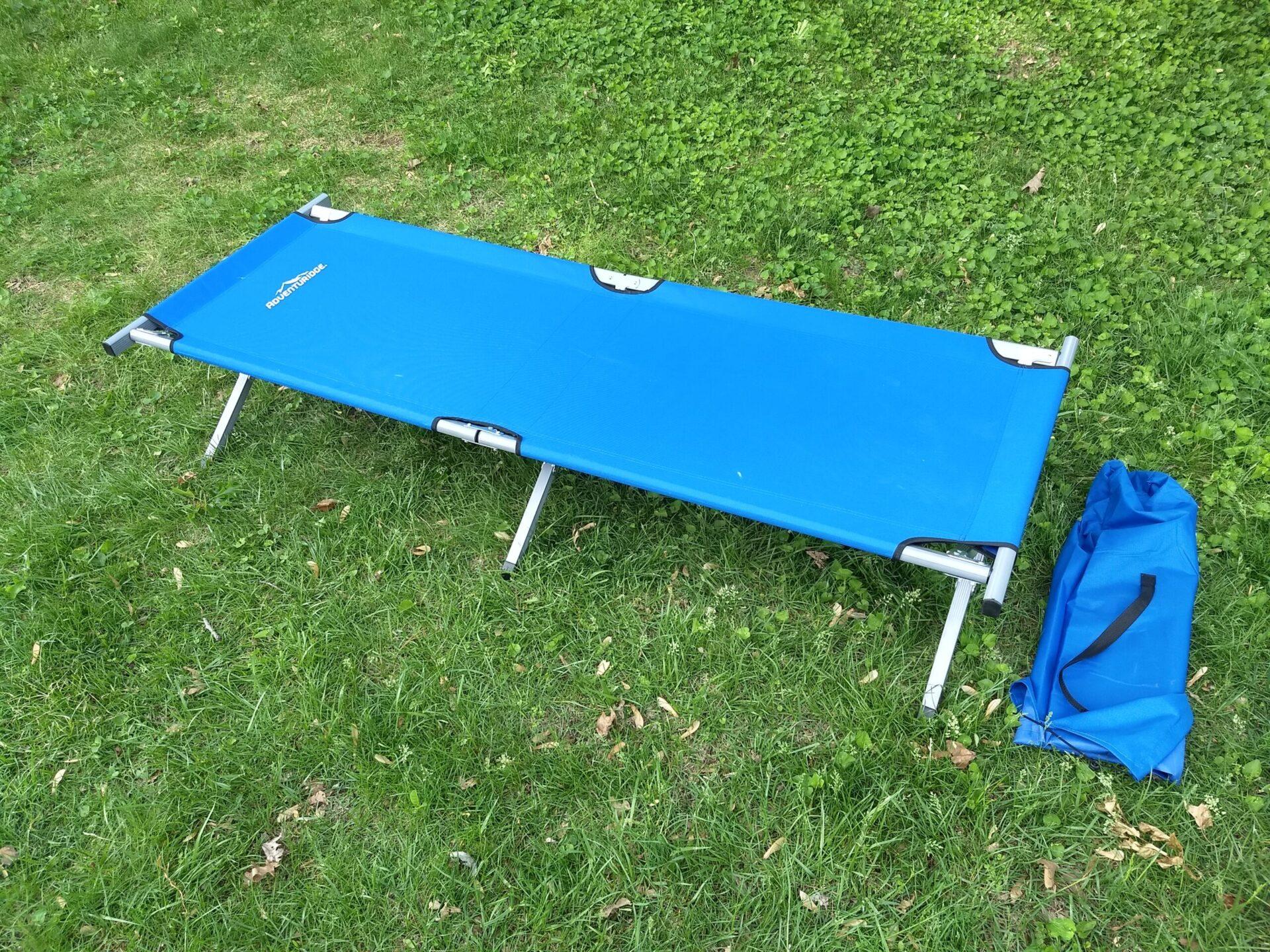 Adventuridge fold down blue outside chair