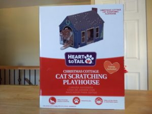 Heart to Tail Cat Scratching Playhouse