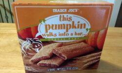 Trader Joe's This Pumpkin Walks Into a Bar Cereal Bars