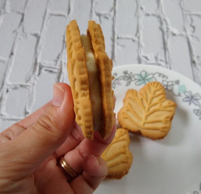 Benton's Maple Leaf Creme Cookies