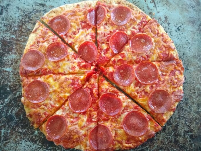 Mama Cozzi's Thin Crust Cauliflower Uncured Pepperoni Pizza