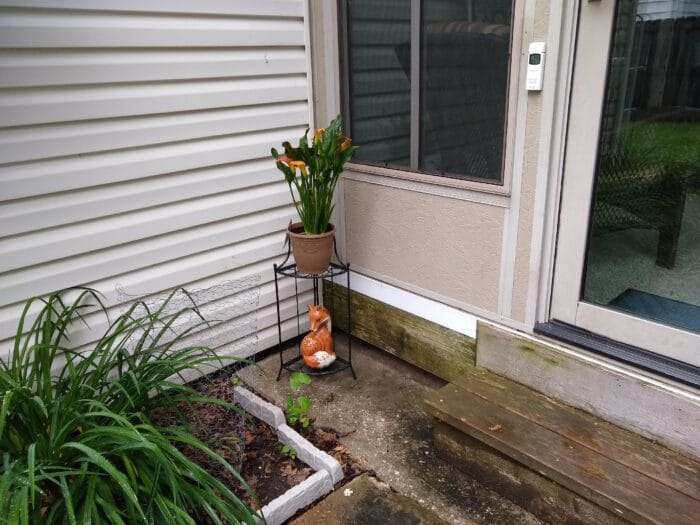 Belavi Tiered Corner Plant Stand